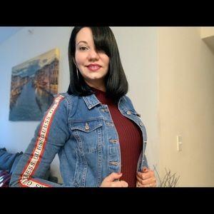 Beautiful jean jacket.